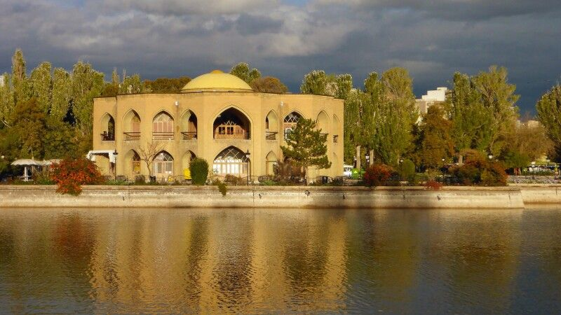 El-Goli-Park in Tabriz © Diamir