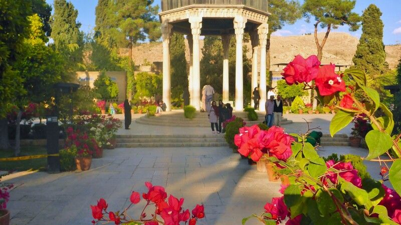 Grab des Hafis in Shiraz © Diamir