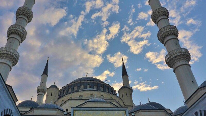 Azadi-Moschee in Ashgabat © Diamir