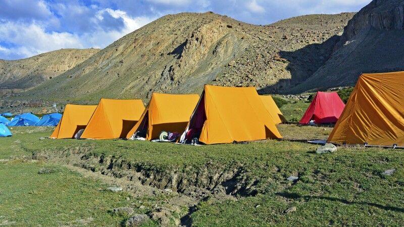 Markha Valley, Camp Thachungtse (4240m), Nimaling Chu (Bach) in der Nähe © Diamir