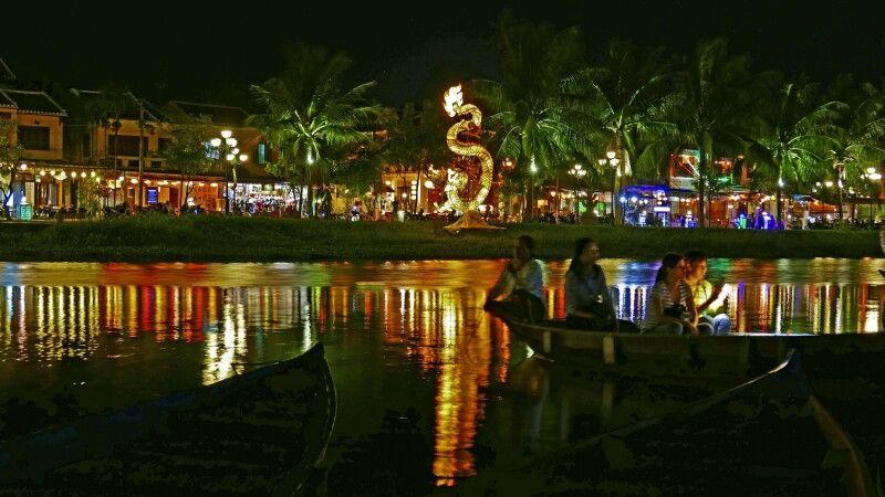 Am Abend in Hoi An – der Stadt der Lampions © Diamir