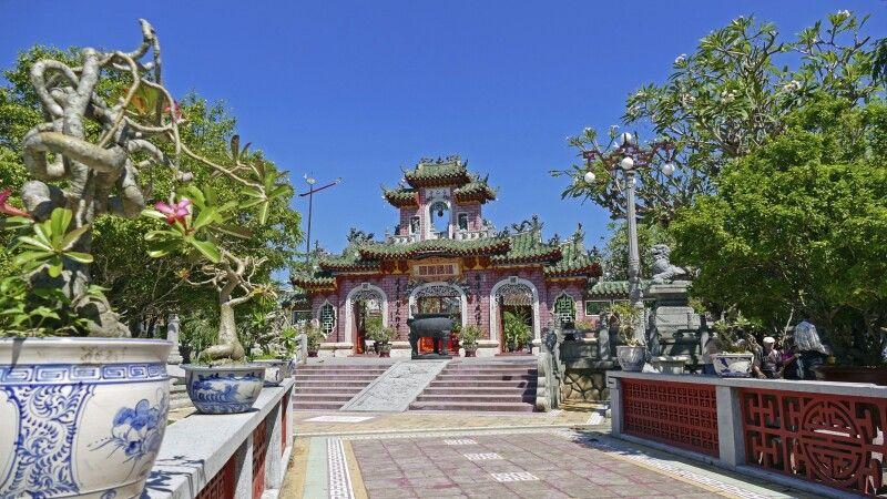 Blick auf die wunderschöne Phuoc- Kien-Pagode in Hoi An © Diamir