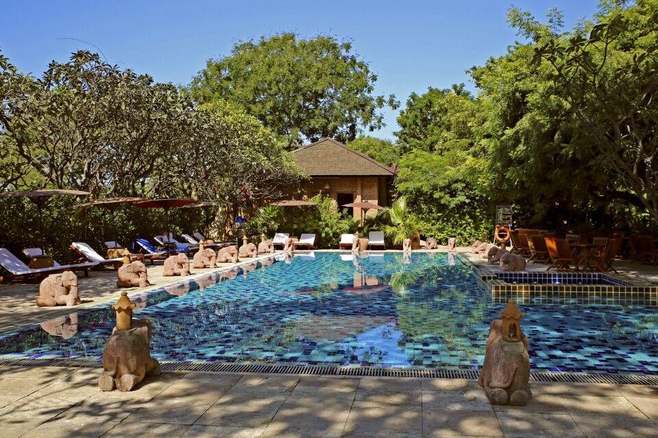 Tharabar Gate Hotel in Bagan
