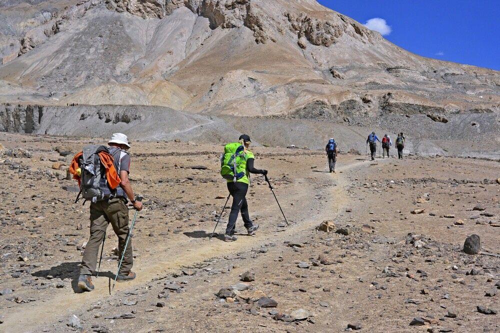 Beginn des Markha Valley Trek mit einem kleinen Pass auf dem Weg nach Skiu