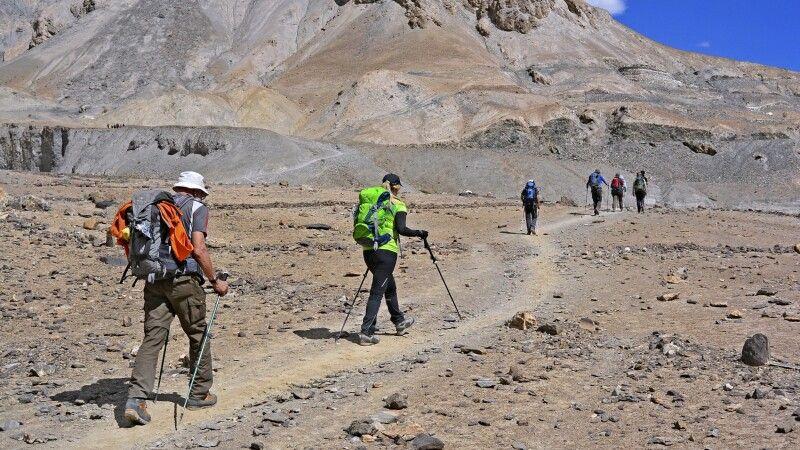 Beginn des Markha Valley Trek mit einem kleinen Pass auf dem Weg nach Skiu © Diamir
