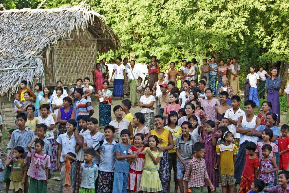 Begegnung in einem Dorf
