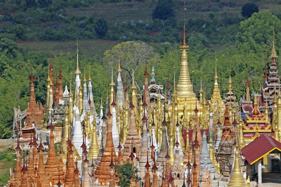 In Dein besitzt über 1000 Stupas – kleine Pagoden