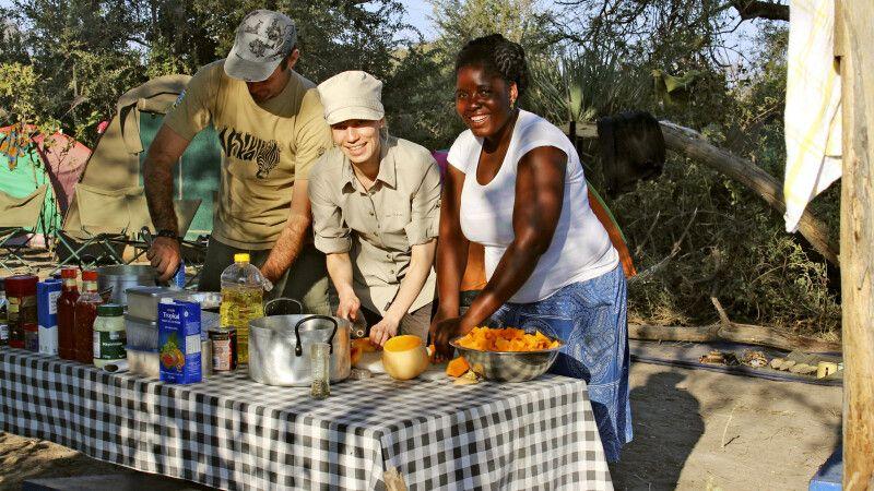 gemeinsame Mahlzeitenzubereitung © Diamir