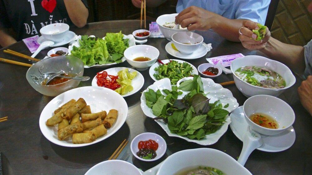 Gemeinsames Essen nach dem Kochkurs