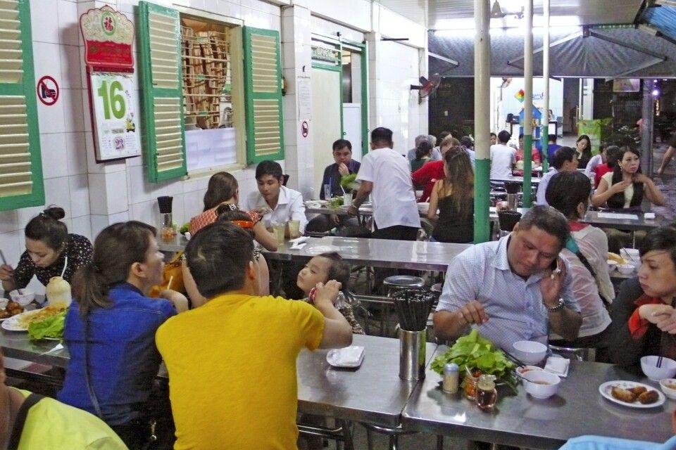 Straßenrestaurant in Saigon