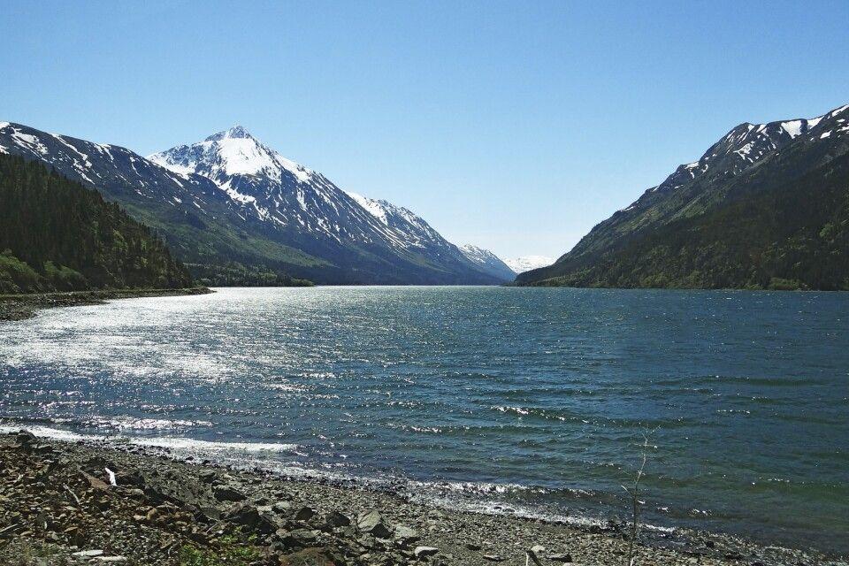 Mit der White Pass & Yukon Route entlang des Lake Bennett