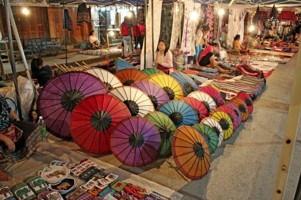 Auf dem Nachtmarkt in Luang Prabang