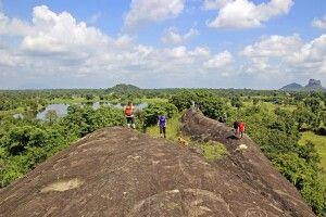 Wanderung in Sigiriya Waranfelsen