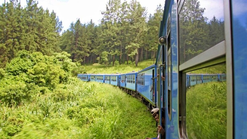 Zugfahrt nach Nuwara Eliya © Diamir