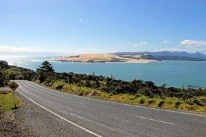 Weite beeindruckende Blicke sind auf den Straßen Neuseelands garantiert.