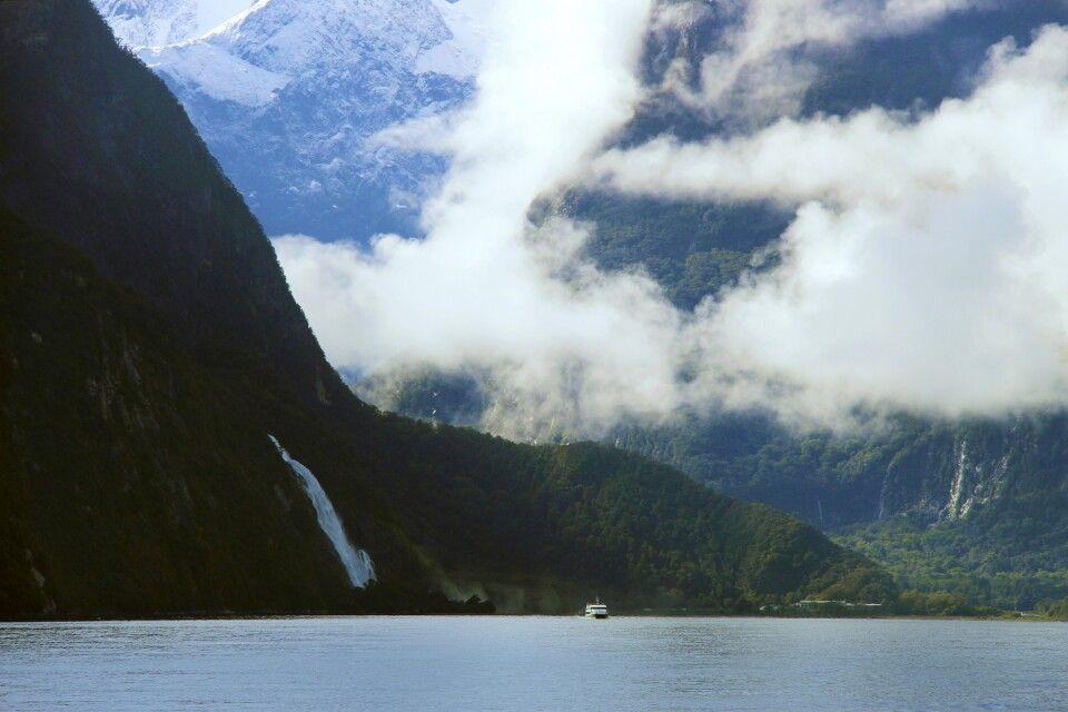 Einer der Höhepunkte einer jeden Neuseelandreise ist eine Tagesfahrt im berühmten Milford Sound