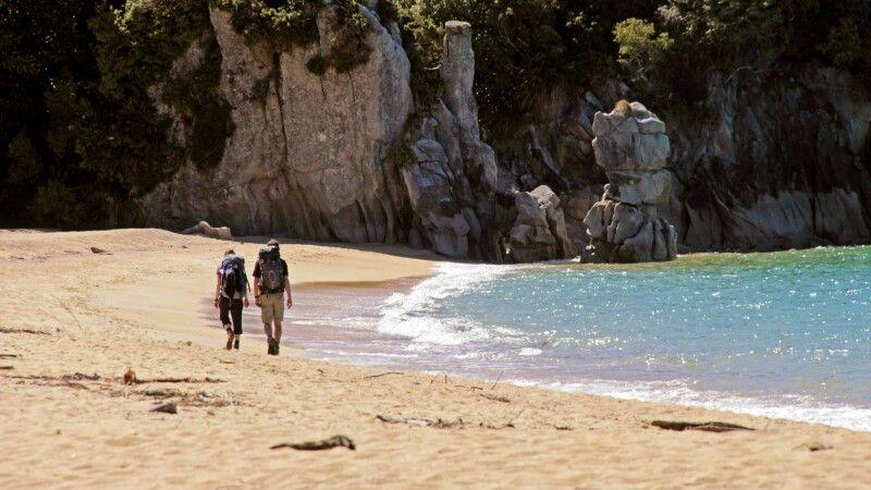 Einer der beliebtesten Trekks in Neuseeland – der Abel Tasman Coastal Track © Diamir