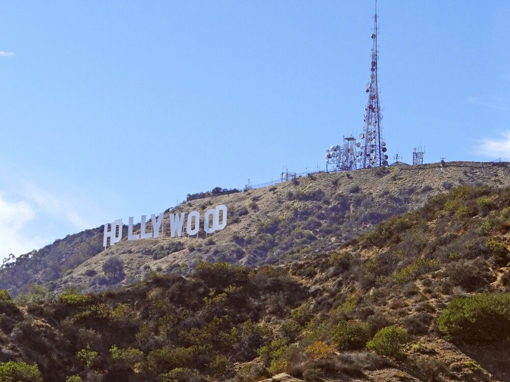Das berühmte Wahrzeichen in den Hollywood Hills