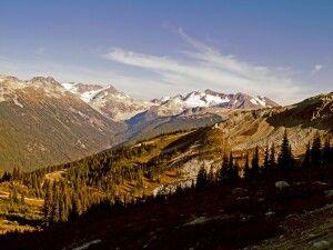 Ausblick auf die umliegenden Berge in Whistler