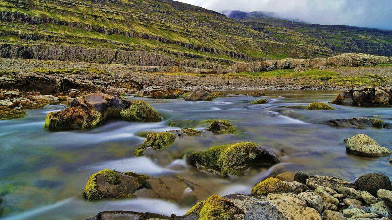 Wasserspiele in den Ostfjorden © Diamir