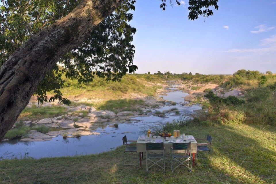Frühstück am Talek River im Rekero Camp