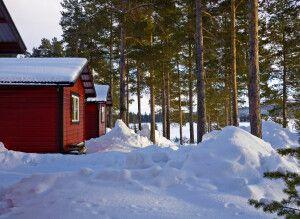 Die gemütlichen Hütten direkt am See