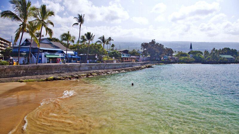 Der Strand von Kailua-Kona auf Big Island © Diamir