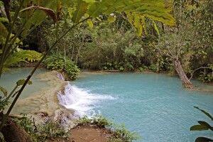 Mehrstufige Wasserfälle von Kuang Si
