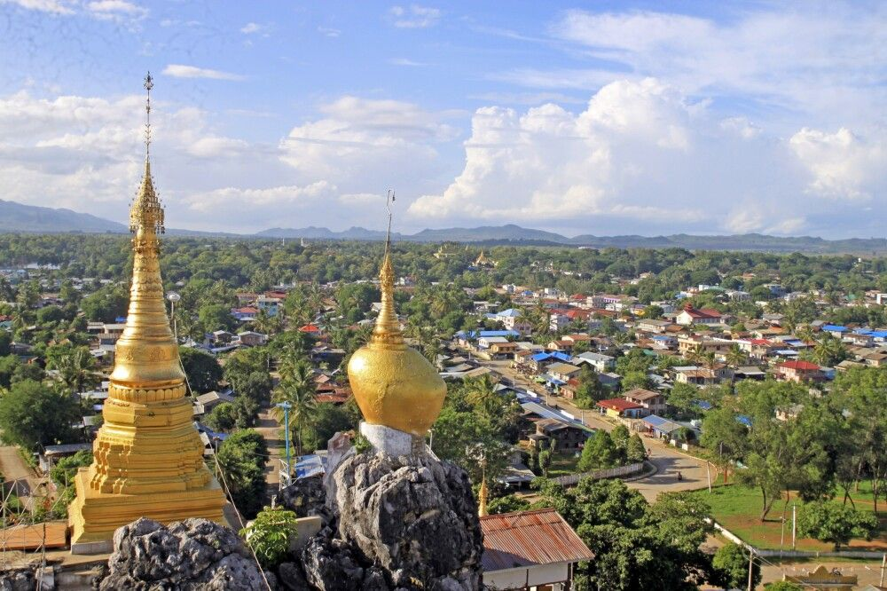 Taungwe Taung Zedi in Loikaw