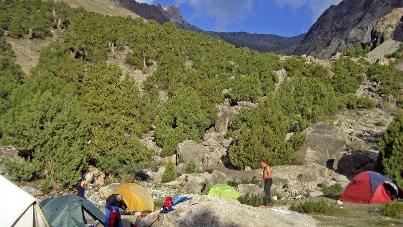 2. Camp – wieder wunderschön gelegen am Mutnoye Lake (Trüben See) © Diamir