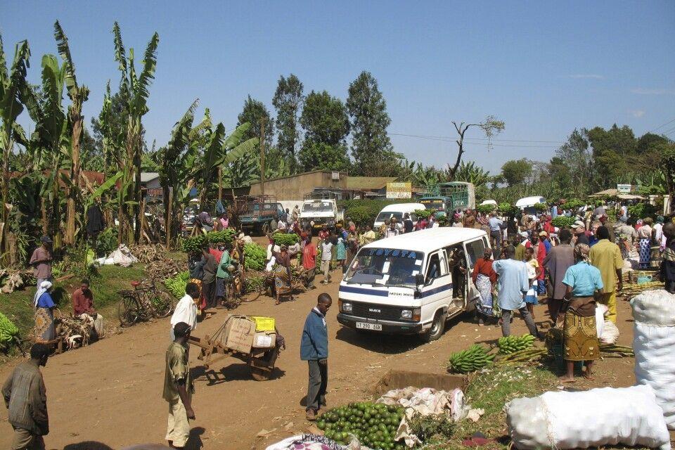 Markt in Sanya Juu, auf dem Weg zur Lemosho Route