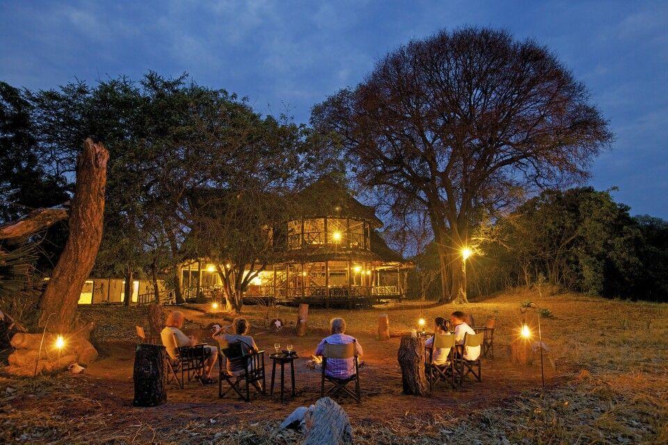 Das Katavi Wildlife Camp bei Dämmerung