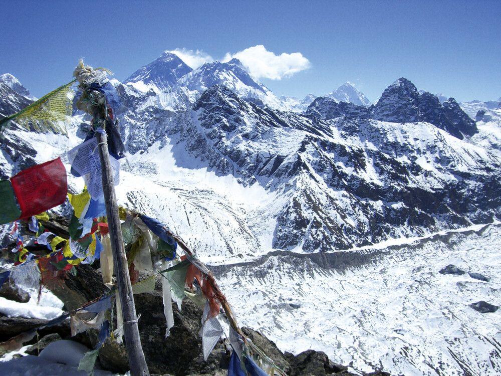 Blick vom Gokyo Ri auf Everest und Makalu