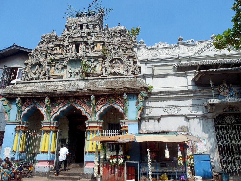 SRI_2016_4UHO_Hindu_Tempel.jpg