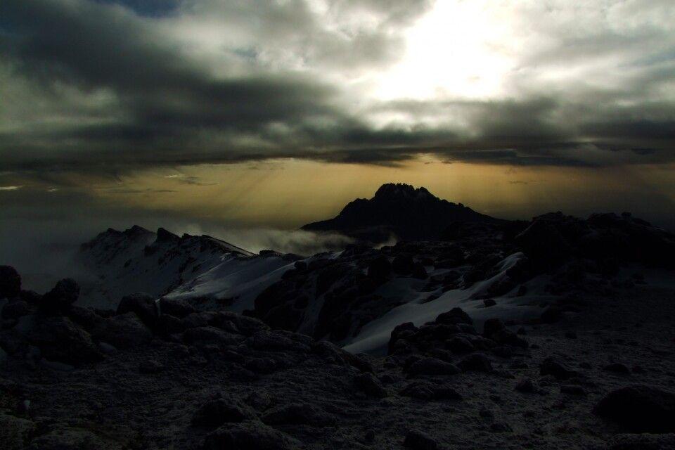 TANKOF2_060216_4FMU_Morgenstimmung_auf_dem_Gipfel.jpg