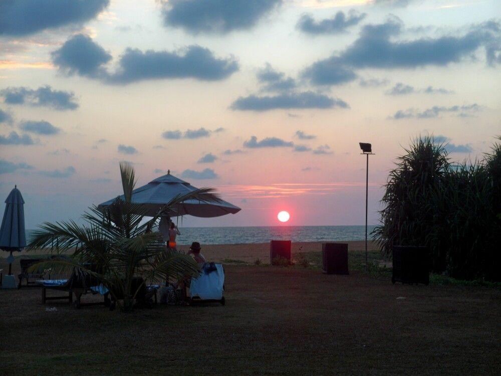 SRI_2016_4UHO_Suriya_Resort_Farewell_Dinner.jpg