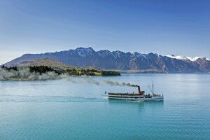 Old Steam Paddler Queenstown