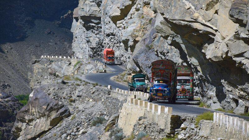 Spannende Straßen im Norden Pakistans. © Diamir
