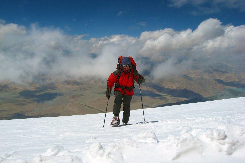 Der Muztagh Ata lässt sich auch mit Schneeschuhen besteigen.