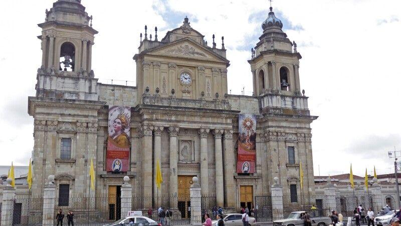 Kathedrale Metropolitana in Guatemala-Stadt © Diamir
