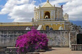 Das berühmte Kloster La Merced in Antigua, Guatemala