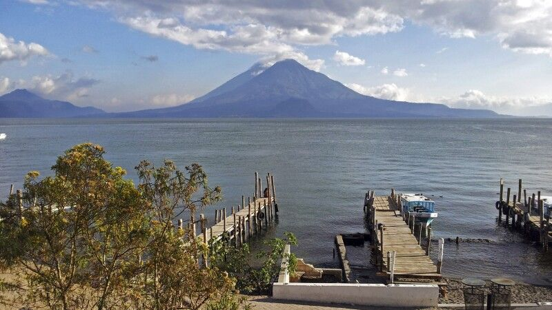 Vulkan Toliman am Atitlansee gelegen © Diamir