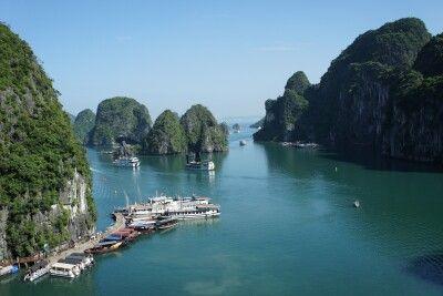 herrlicher Blick auf die Inseln der Halongbucht
