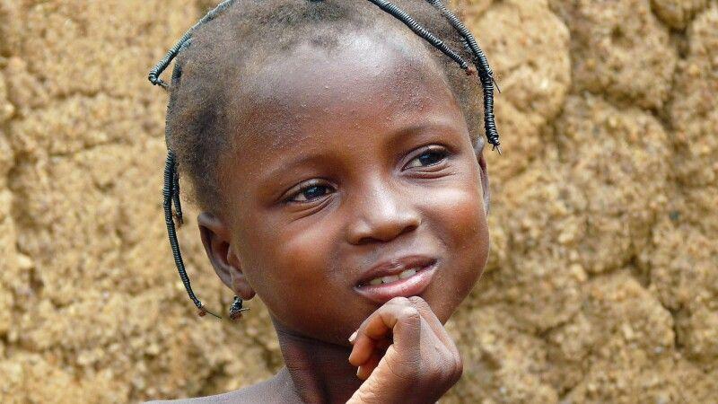 Burkina Faso, Bamako, bei den Birifor, Maedchen © Diamir