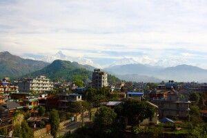 Pokhara vor Bergkulisse