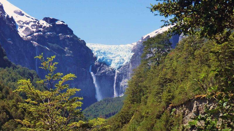 Hängender Gletscher im Nationalpark Queulat © Diamir