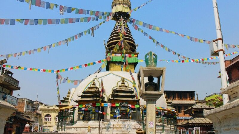Stupa in Thamel © Diamir
