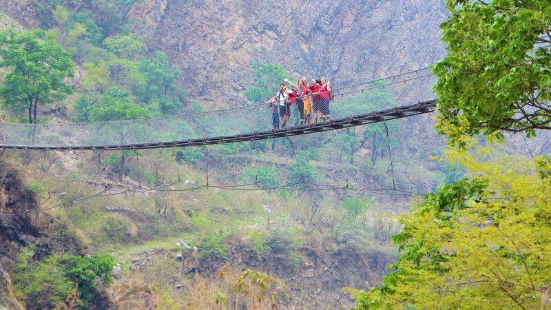 Hängebrücke bei Tatopani © Diamir