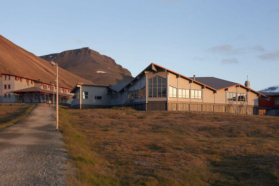 Radisson Blu Polar Hotel im Spätsommer-Licht