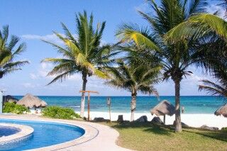 Mahekal Beach Resort (ehe. Shangri-La Caribe) Pool